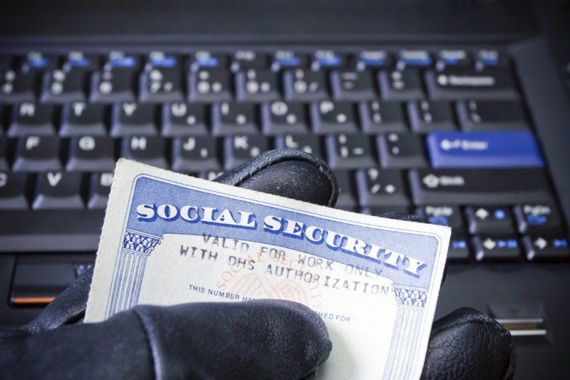 Government Contractors at Risk of Identity Theft Due to System for Award Management Security Breach
